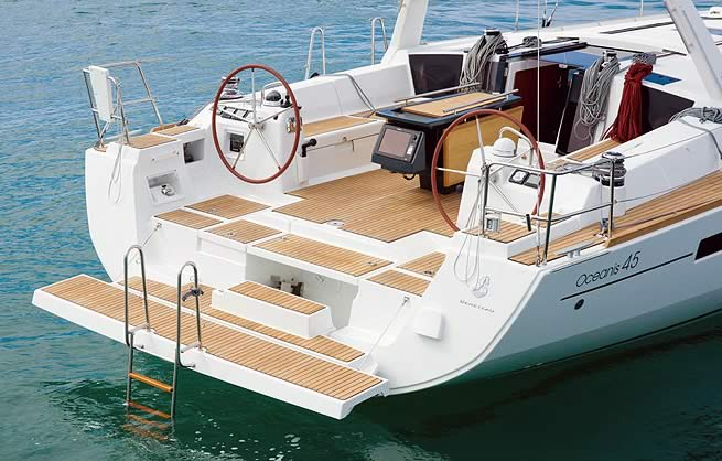Stern of the New Oceanis 45 sailing yacht